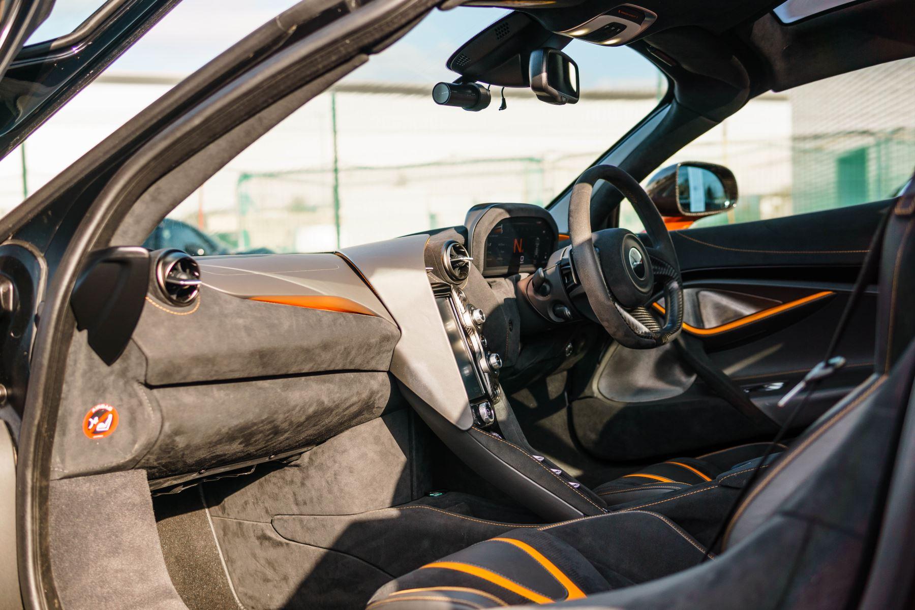 McLaren 720S V8 2dr SSG PERFORMANCE image 55